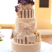 Purple Elegance I love this cake!