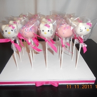 Hello Kitty Cake Pops Cake flavors: strawberry and vanilla