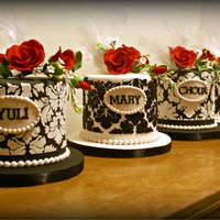 Damask Cakes 4 girlfriends celebrated their 30th birthdays together!
