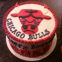 Chicago Bulls   Buttercream icing with fondant decorations