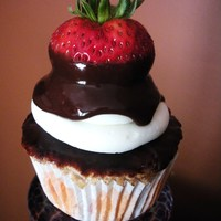 Chocolate Covered Strawberry Cupcake!