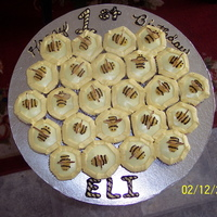 Beehive Cupcakes BEEHIVE CUPCAKES WITH INIDIVIDUAL BEES ON EACH CUPCAKE