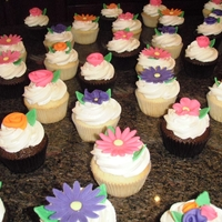 Flower Cupcakes For a friend's wedding