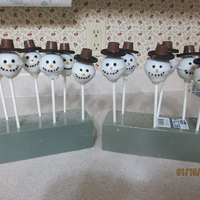 Snowmen Cake Pops I made these snowmen using the cake pop pan, I really like it, it saves time bake and cake and crumbling it up and putting frosting in it,...