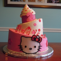 Hello Kitty butter cream with fondant kitty