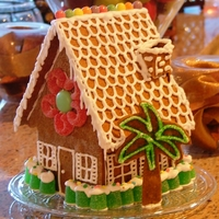"Small Gingerbread House This is a great ""gifting"" size - it fits on a salad plate!"