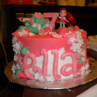 Strawberry Shortcake Excuse the paper towels in the bow! I had to deliver this cake before the bow dried! I've been DYING to make a Strawberry Shortcake...