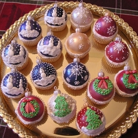 Christmas Ornament Cupcakaes