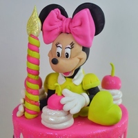 Minnie Mouse Cake For Icing Smiles We are volunteers with the Icing Smiles organization. We just had the opportunity to make a 6th birthday cake for a sweet birthday girl....