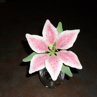Stargazer Lily My first stargazer from gumpaste and color dust.