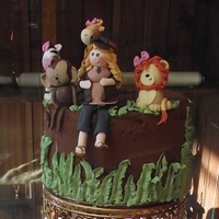 Safari Pregnant Mommy Shower Cake To match the invite :) for my sister, Ri.