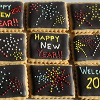 Fireworks Cookies For New Years These are super simple fireworks cookies I created using a black royal icing background and small multi-colored royal icing dots for the...