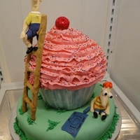 Phineas & Ferb Giant Cupcake 4th birthday cake for my niece, Chloe :) Hand formed figurines TFL!!