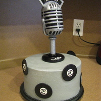 Mic   buttercream with fondant accents! mic is rkt covered in fondant