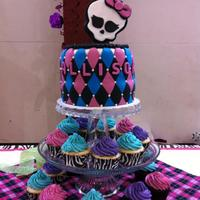 Monster High Birthday Cake Amp Cupcakes For Allison Monster High Birthday Cake & Cupcakes for Allison