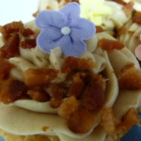 Maple Cupcake With Maple Bacon Buttercream Maple cupcake with maple-bacon buttercream