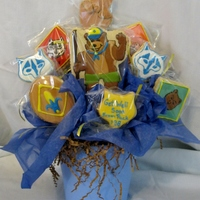 Cub Scout Cookie Bouquet Get well cookie bouquet for a cub scout den leader from his pack.