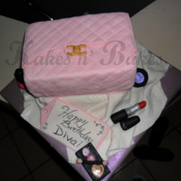 Diva Style really fast and small chanel cake with accessories
