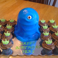 Bob Cake With Alien Cupcakes