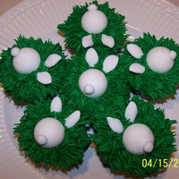 Easter Rabbit Cupcakes Made these for my grandchildren to enjoy when we celebrated Easter this year. Thanks to Sharon Zambito for the tutorial. Chocolate cupcakes...