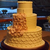 Scalloped Wedding Cake   Scalloped wedding cake