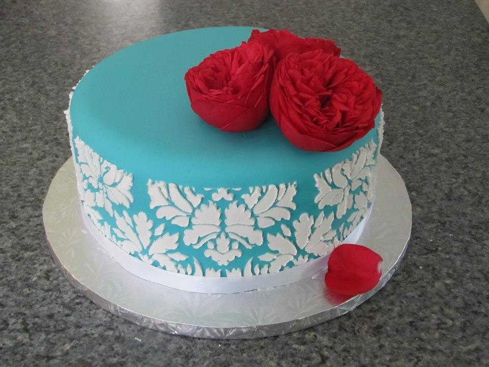 Stencilled Birthday Cake *Just a simple little cake with some fresh garden roses...