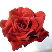 Red Rose Someone asked me if i could make them some red roses from gumpaste that they could give to their girlfriend for Valentine's Day. Now...