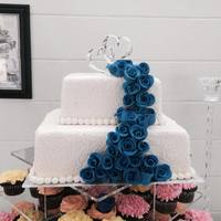 This Wedding Cake Topped 100 Cupcakes And Was Piped With Cornelli Lace *This wedding cake topped 100 cupcakes, and was piped with cornelli lace
