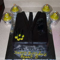 Balen's Birthday Cake, Men in Black themed cake with Alien Cupcakes. He was a very happy little boy.