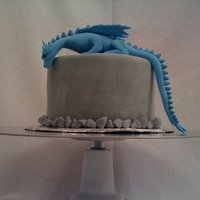 Saphira My first gumpaste/fondant figure. My brother is a huge Eragon fan, and this was his birthday cake.