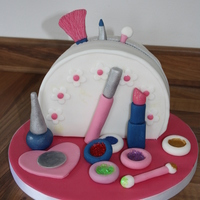 Make Up Bag Cake Cake for my cousin who loves make - up and all things sparkly! Out of the debbie Brown book - Easy party cakes.