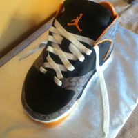 Jordan Shoe Cake I Made For My Hubbys Birthday He Wanted Some Shoes Like This Only I Couldnt Afford The At The Time So I Made Him This Jordan shoe cake I made for my hubby's birthday.He wanted some shoes like this, only I couldn't afford the at the time, so I made...