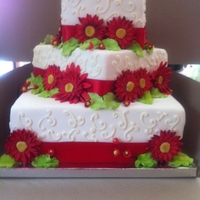 Amanda's Wedding 3 offset square tiers with gumpaste daisies.