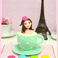 Mademoiselle Macaron Cupcake The next week I will teach my Mademoiselle Macaron at the Italian Cake Design Festival (Milano, 23-26 of May, 2013)