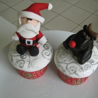 Christmas Cupcakes Fruitcake with fondant toppers