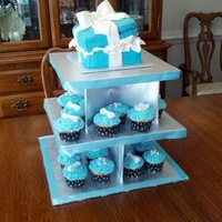 Tiffanys Giftbox Cake And Cupcakes 7 Tiffany's Giftbox Cake and Cupcakes 7