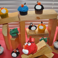 Angry Birds Cupcakes My son wanted Angry Birds for his 8th birthday. I decided to go with cupcakes. These were time consuming, but very easy. I used the 2X4...