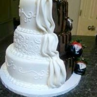 Bride And Groom Wedding Cake *