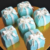 Tiffany Boxes Mini Cakes