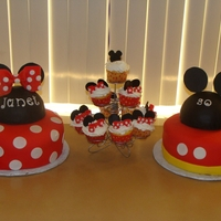 Mickey & Minnie Mouse Fondant cakes and buttercream cupcakes