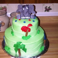 Horton Hears A Who Buttercream w/Fondant Accents