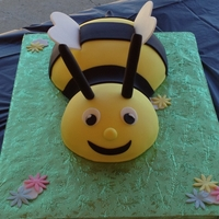 What's It Gonna Bee? Bee cake for a baby reveal party!
