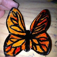Butterfly Mini-Tutorial Thought I would share my process for making some beautiful butterflies. I cut out gumpaste butterflies with just regular cookie cutters....