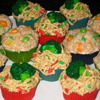 "Chinese Take Out Lo mein and fried rice cupcakes. From the book ""What's New, Cupcake?""Vegetables made from flavored Tootsie Rolls."