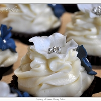 Silver And Navy Blue Cuppies I made 6 doz. cuppies for a wedding. The bride theme is silver and navy blue.