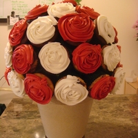 Happy Valentines Day made my first cupcake bouquet! Thanks for all the inspiration here on cc.