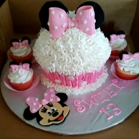 Minnie Mouse Big Cupcake Minnie Mouse big cupcake!!
