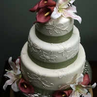Sugar Lilies Wedding Cake