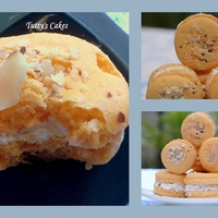 French Macarons! I got the Ladur?e book as a gift from a dear friend a couple of months ago. I have been wanting to try their macarons recipe. I am so happy...