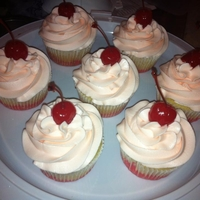 Shirley Temple Cupcakes shirley temple cupcakes! very cherry : )